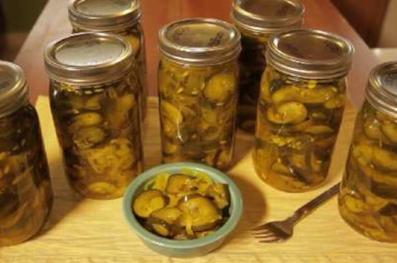 Crisp Pickle Slices
